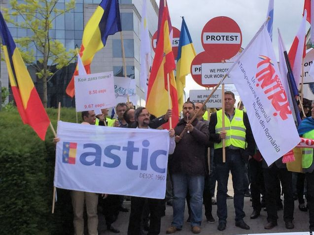Drivers from eleven EU countries held a (peaceful) protest in Brussels today on the French minimum wage rule. Last week, their governments published an open letter at the EU Council meeting of transport ministers in Luxembourg urging action on the new law.